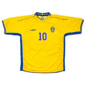 SWEDEN 03-05 HOME S/S #10 IBRAHIMOVIC